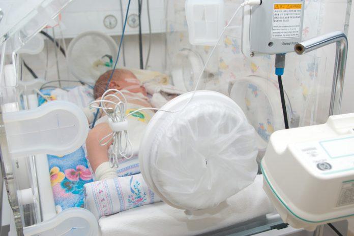 Baby in ziekehuis